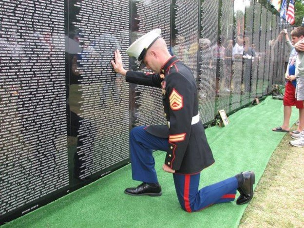 Read more about the article Vietnam Veterans Memorial Replica Wall